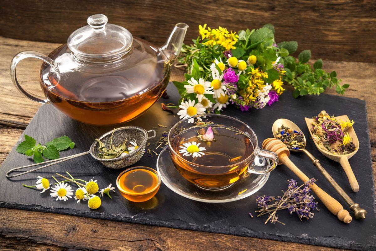 Травяной чай с коньяком