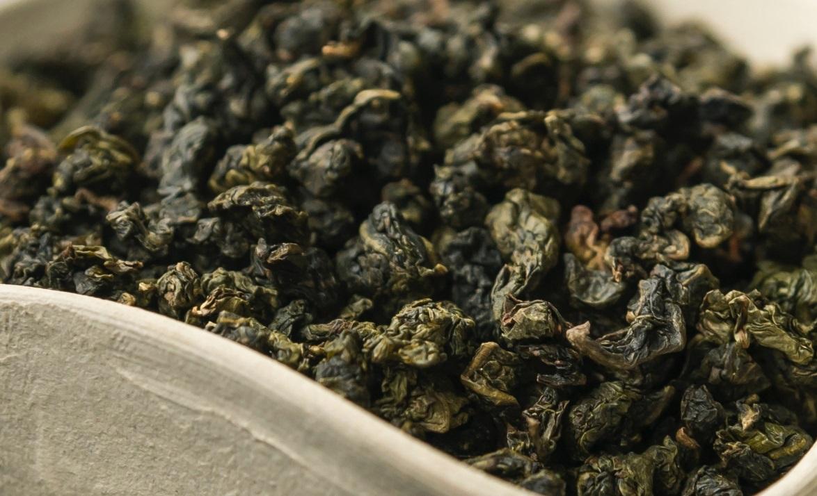 Он может быть специально состаренным или с ароматными добавками