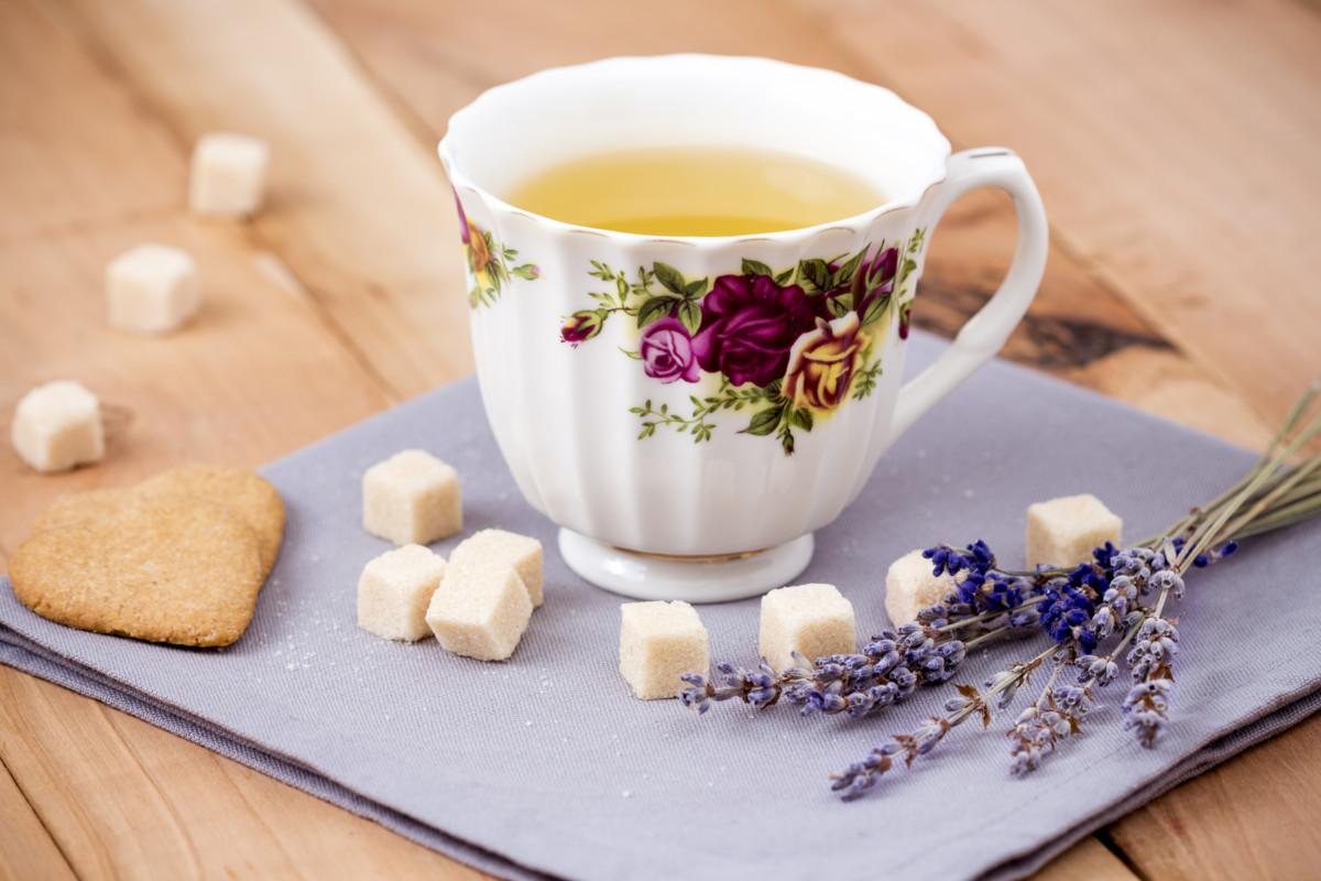 Лавандой можно ароматизировать любой чай