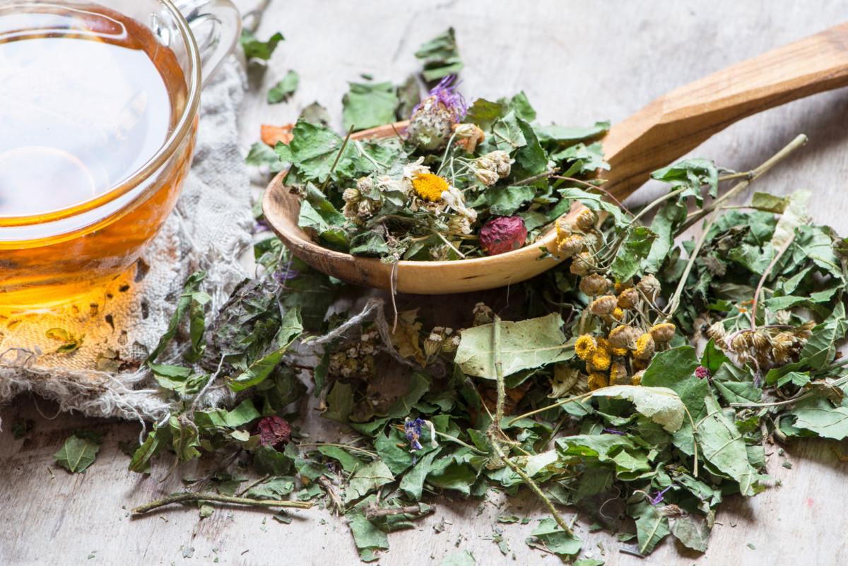 Чай из листьев малины и душицы