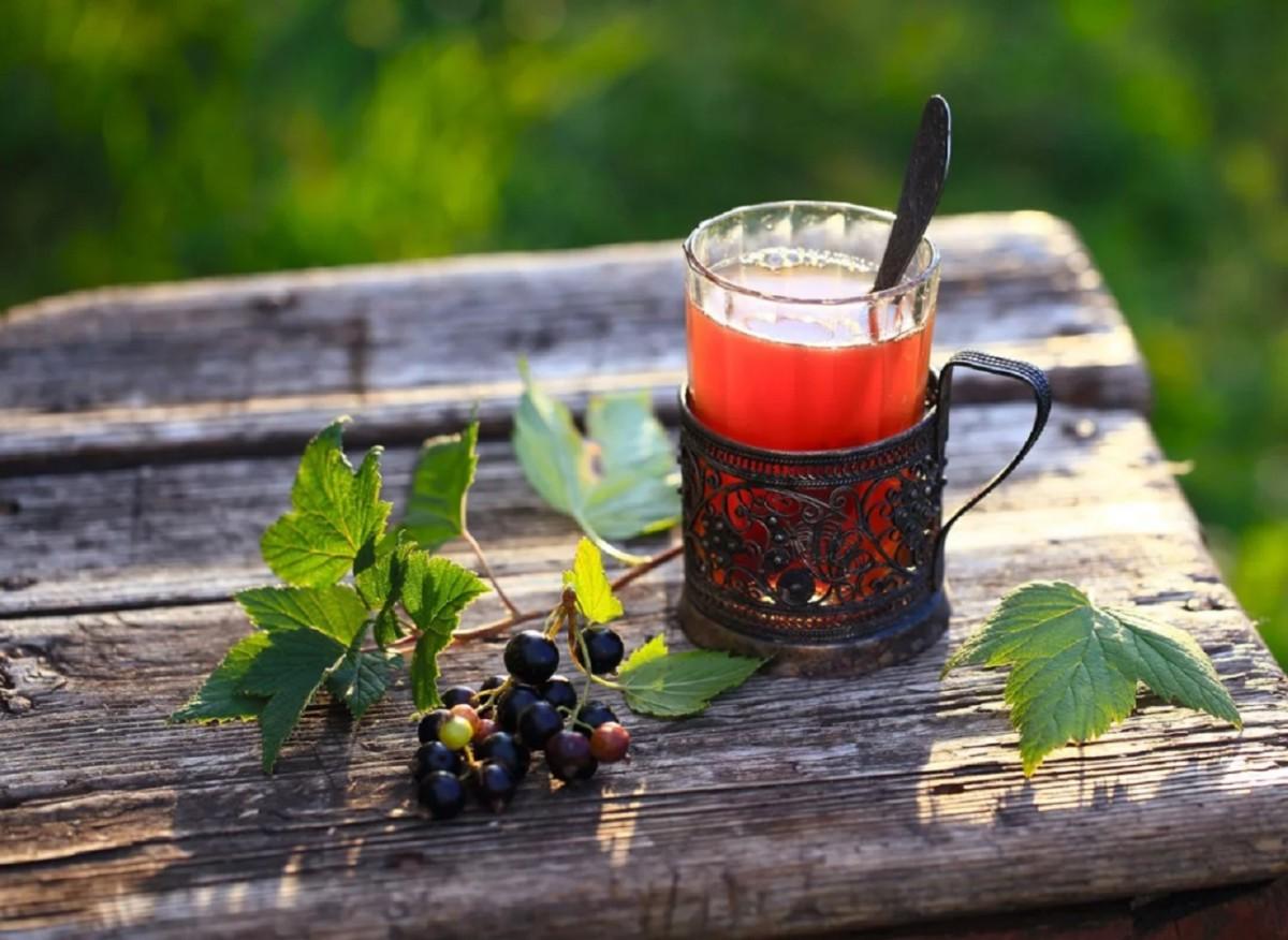Чай из листьев малины и смородины