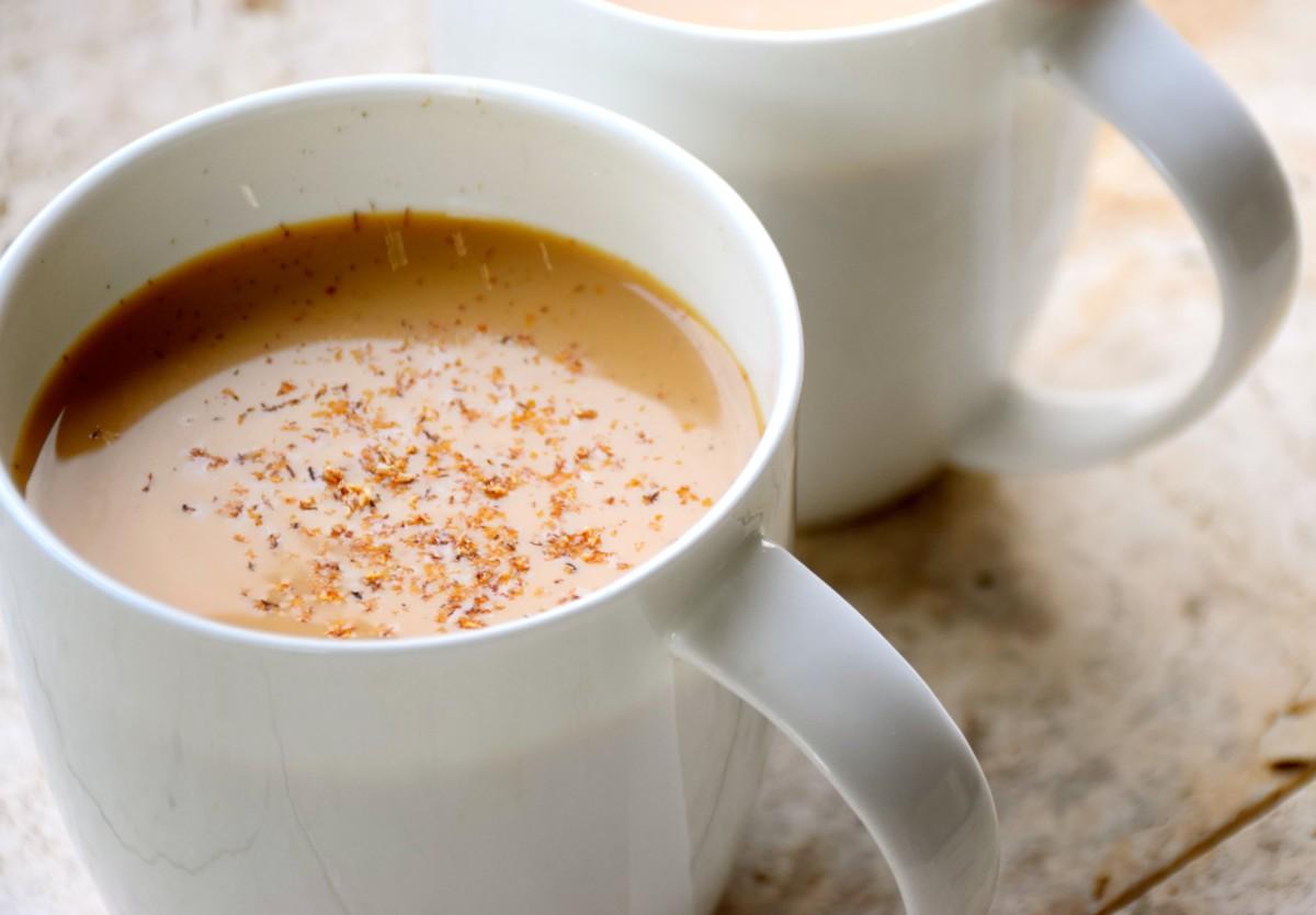 Чай с молоком и кардамоном