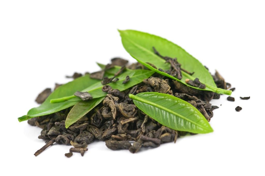 Не следует забывать о том, что неразумное применение такого сильнодействующего лекарства, как зеленый чай, может привести к негативным последствиям