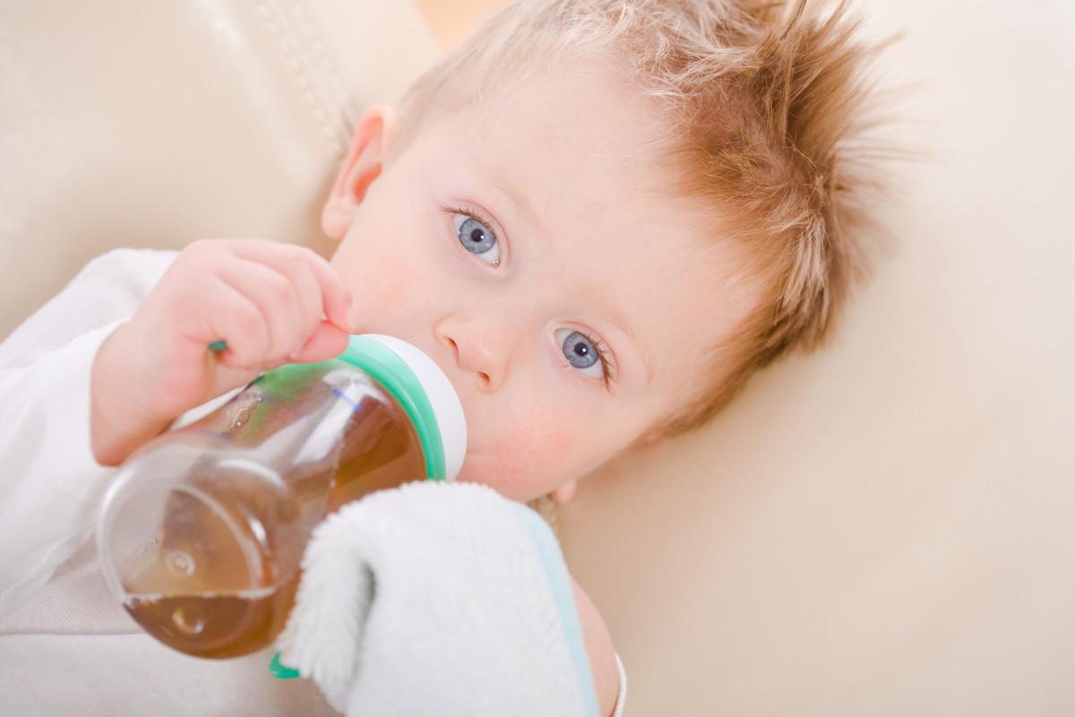 Детям чай поможет избавиться от избыточного газообразования