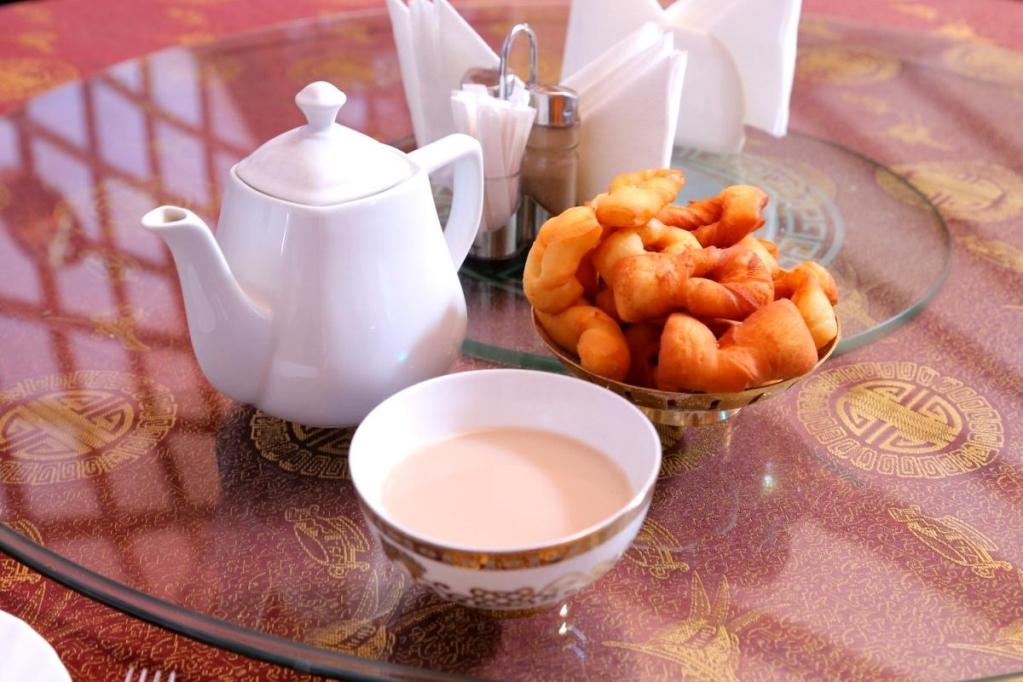 Для калмыцкого чая можно использовать и черный и зеленый чай