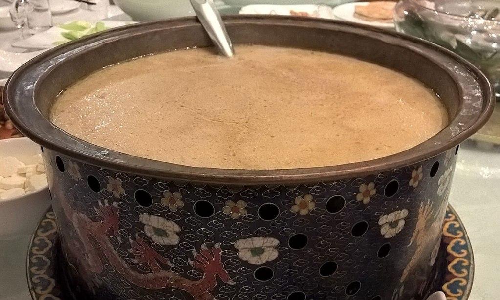 Мясной чай имеет необычный и пикантный вкус