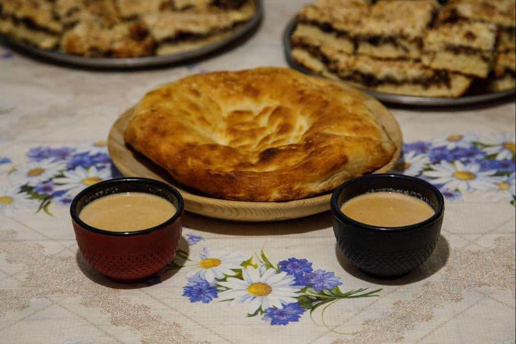 Традиционный калмыцкий чай соленый, но иногда делают и сладкий вариант