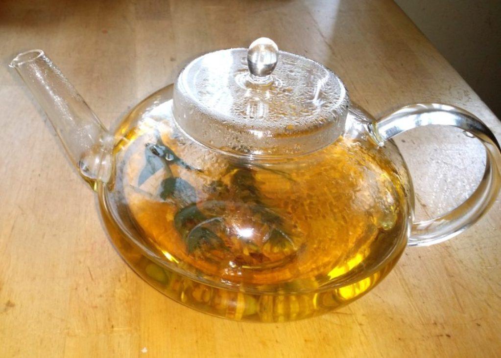 Регулярное употребление этого чая помогает при заболеваниях мочевой системы