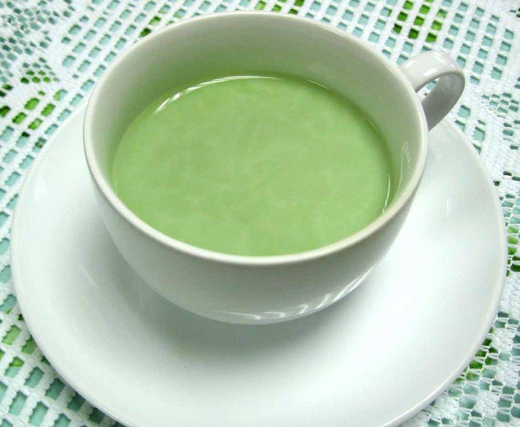 Для горячего напитка используют молоко нулевой жирности